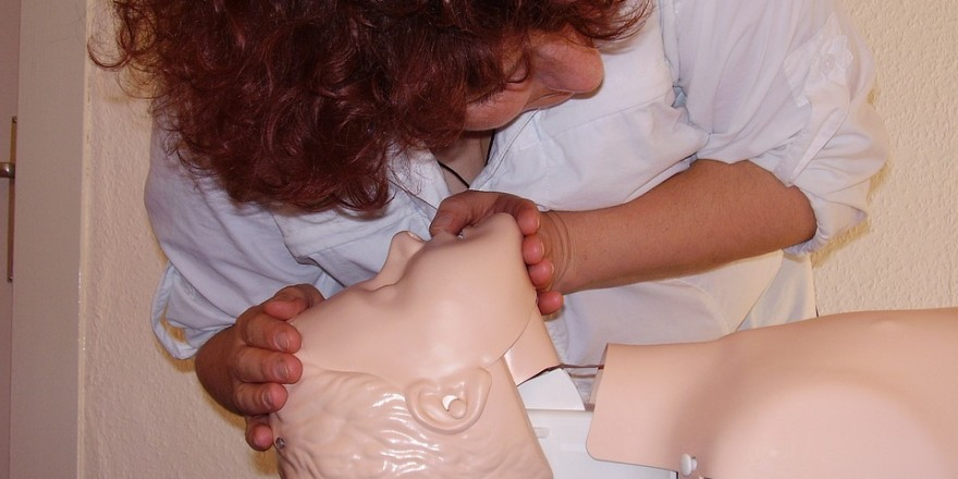 first-aid-1253140_960_720